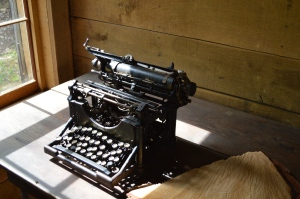 Cradle Typewriter 1